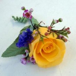 234_yellow_boutonnierre